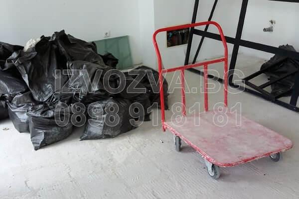 Извозване на строителни отпадъци с камиони