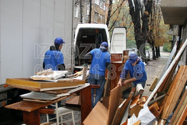 Извозване на битови отпадъци в София